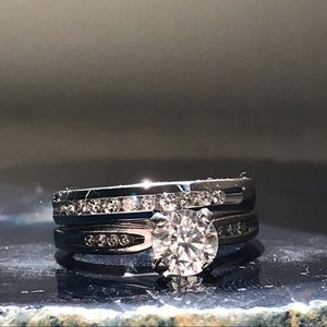 Diamond Solitaire & Wedding Band in 14k white Gold
